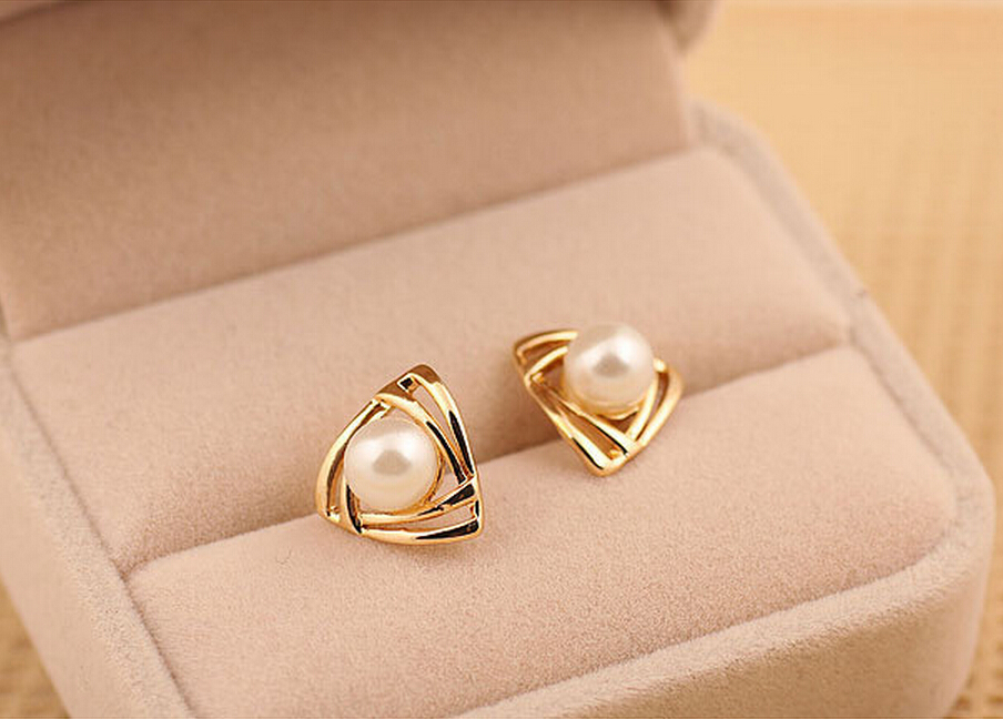 New Fashion Elegant Women Pearl Stud Earrings gold  Plated  Earring  For Girls women Jewelry  one pair Free Shipping