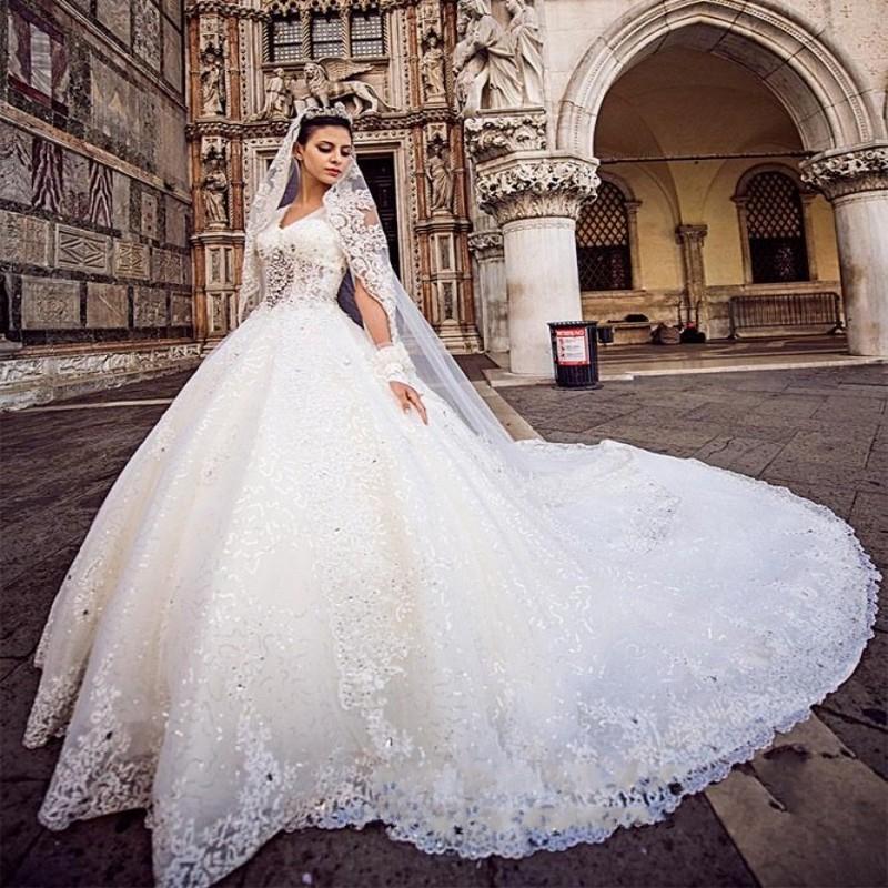 Top Luxury Wedding Dress : Hot sale luxury lace chapel train wedding dress