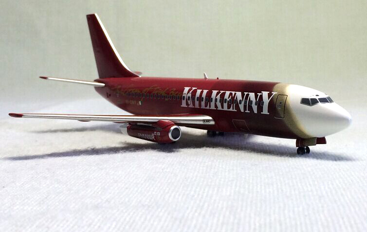 1: 200 Ryanair Boeing 737-200 Alloy aircraft model EI-CNY Limited Collector Model