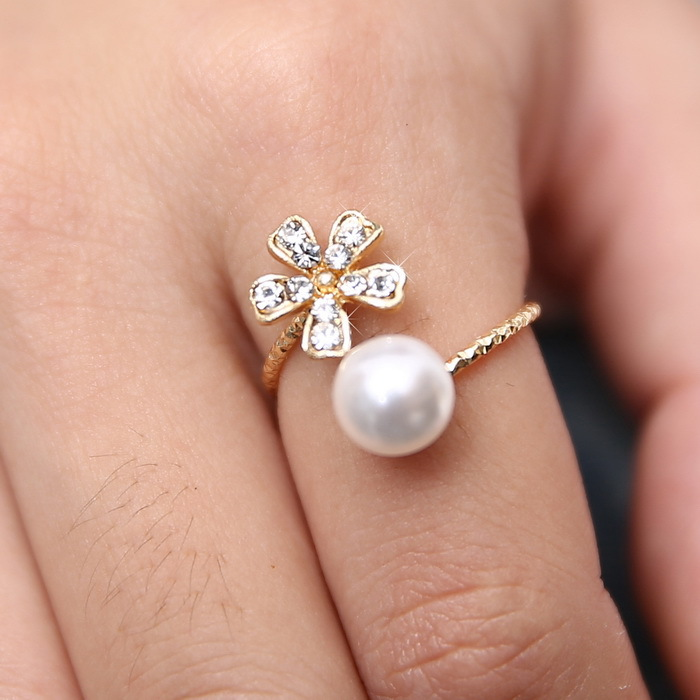 Hot sale 2014 fashion jewelry flower and imitation pearl rings gold ring women jewlery free shipping(China (Mainland))