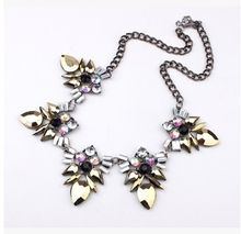 Fluorescent Color Metal Necklace Texture Crystal Statement Necklace For Women Shining Summer Short Rhinestone Necklace N926A(China (Mainland))