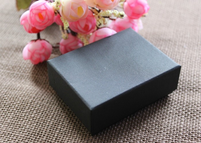 Free Shipping Wholesale 30pcs/lot 8.5x6.5x3.5cm Canvas Lines Jewelry Box Gift Packaging Box(China (Mainland))