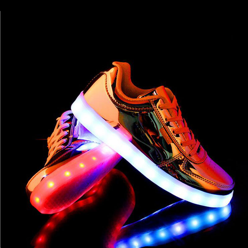Hot New fashion men and women Valentine LED Lights Glowing Shoes mens casual night light up shoes adult basket LED zapatos(China (Mainland))
