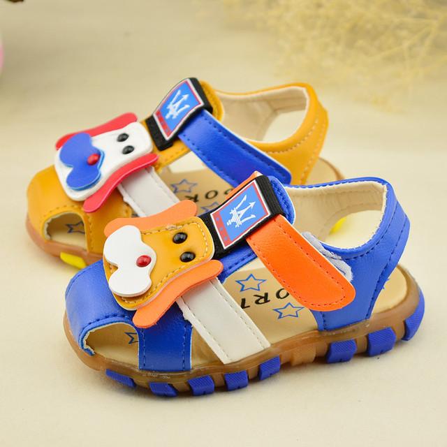 2016 летние новые дети обувь мода мальчиков сандалии детский мультфильм собаки сандалии мягким дном кроссовки желтый синий 13 см - 15 см