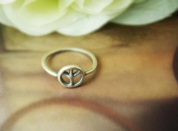 exclusieve ring mode antiek zilver plating ring vrede symbool ringen voor vrouwen groothandel en gemengde kleur gratis verzending(China (Mainland))