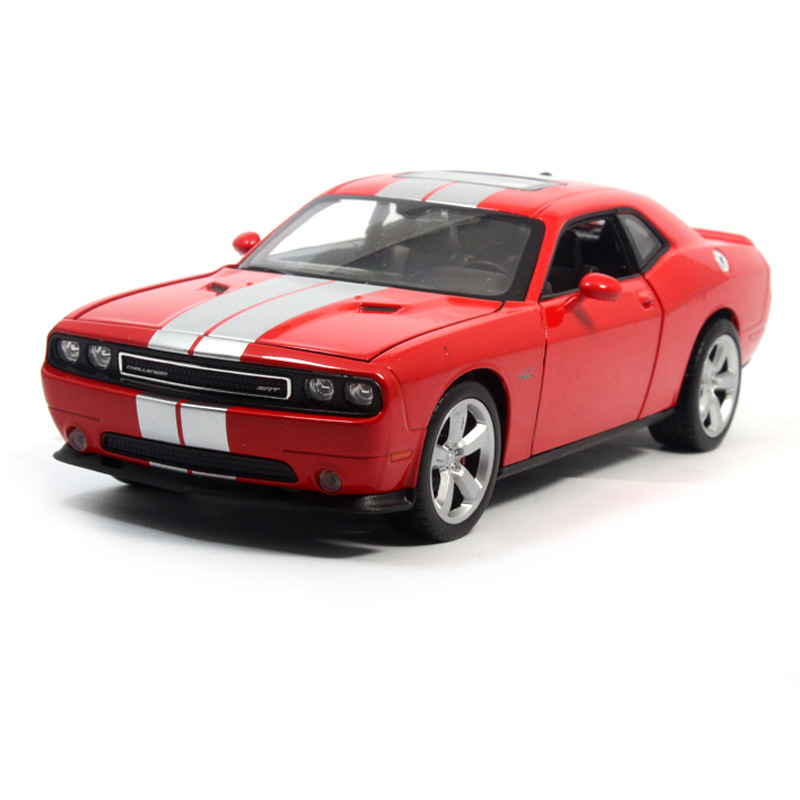 Hot sale Welly 1:24 original car models luxuriously dodge challenger muscle car alloy car model for collection high quality(China (Mainland))