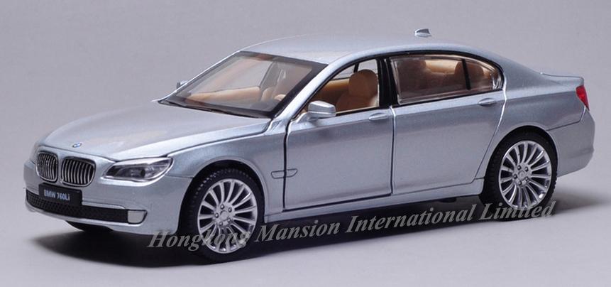 New 132 Car Model For BMW 760Li (13)