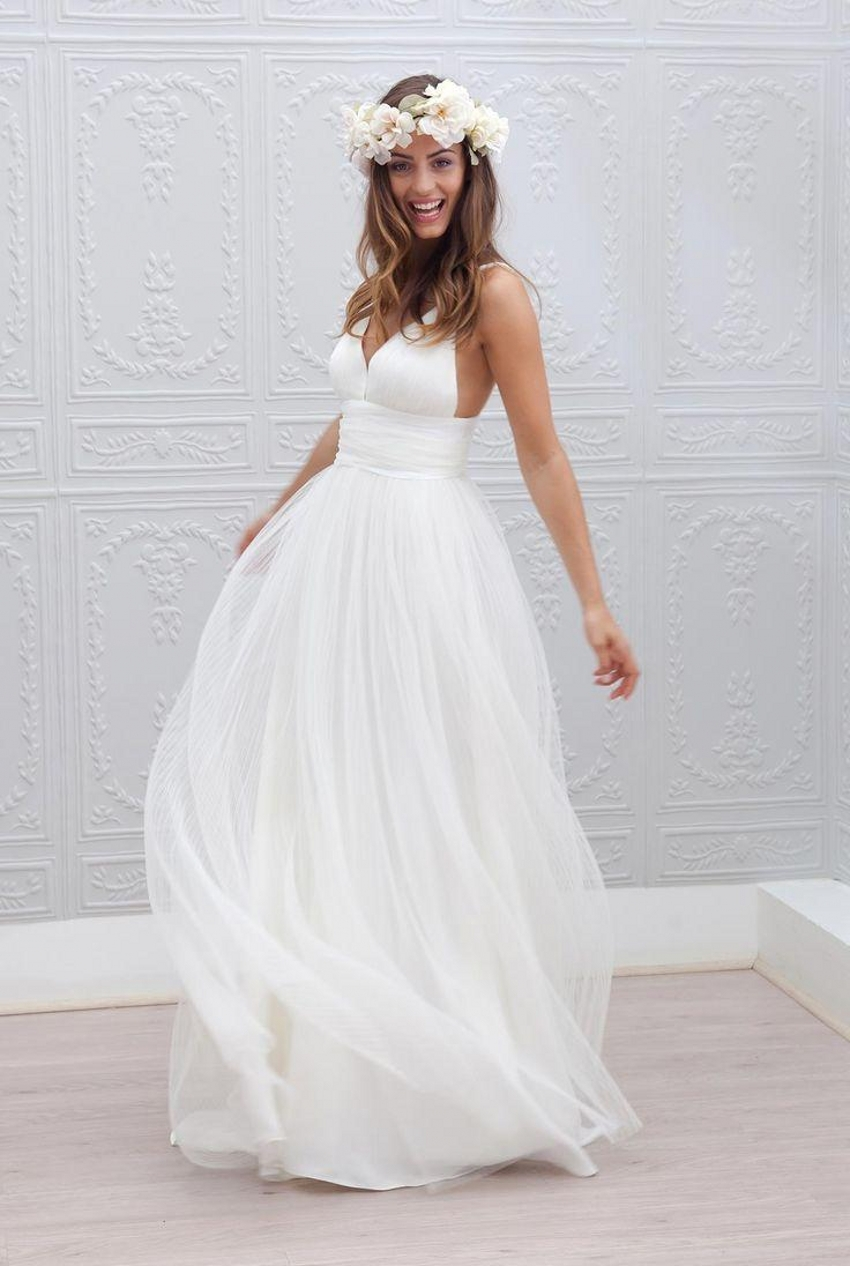 2015 beach wedding dresses cheap v neck spaghetti strap On simple wedding dress cheap