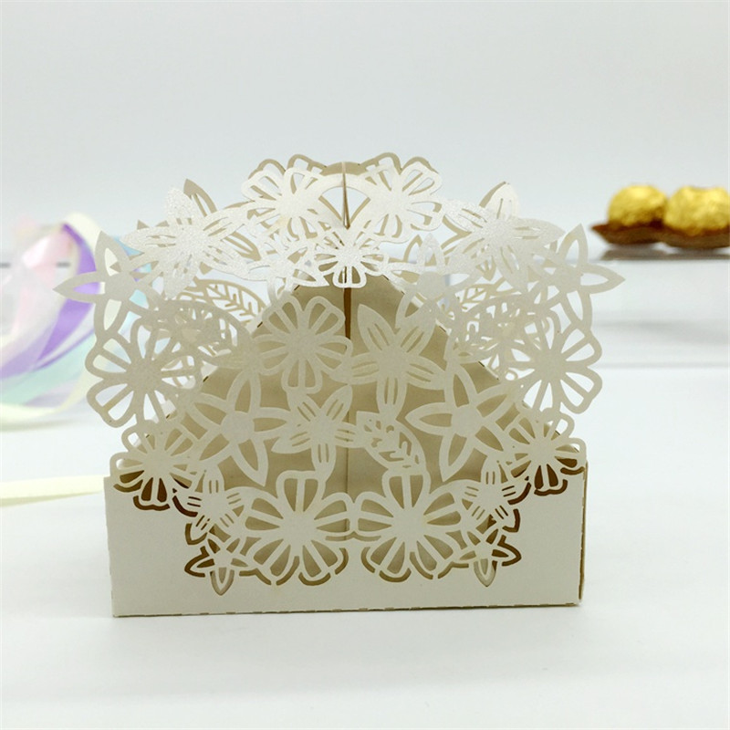 Laser cut Flower Wedding Candy Box Wedding Favors and Gifts Boxes Souvenirs Wedding Hawaiian Party Decor Ideas regalos de boda(China (Mainland))