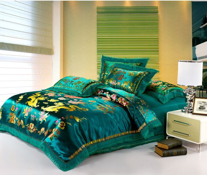 Embroidered Chinese dragon duvet cover set luxury king queen size wedding bedding set/bed cover/quilt cover(China (Mainland))