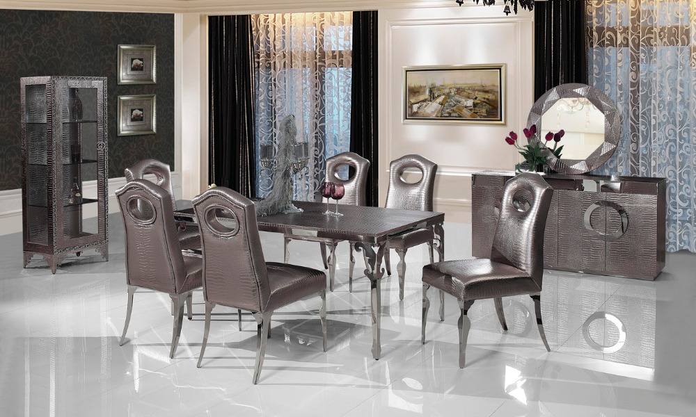 Dining room set with leather chairs