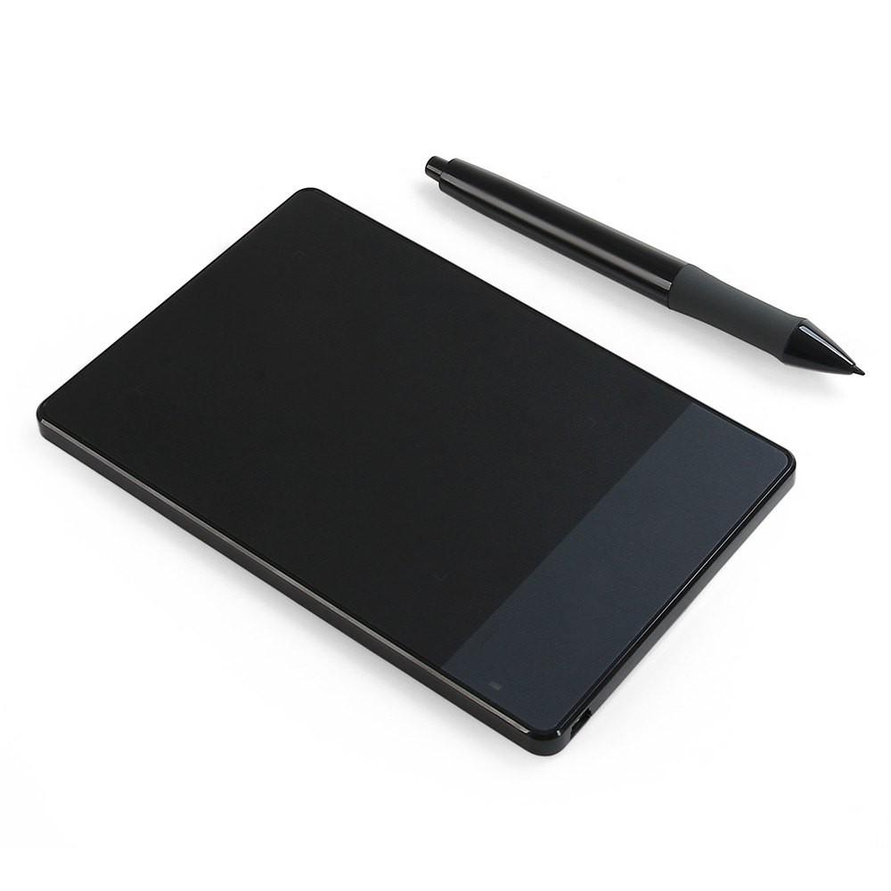 Графический планшет Huion H420. Купить, цена 2490 рублей.