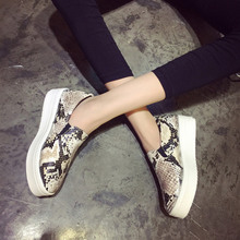 NEW 2016 Brand Women Snakeskin Loafers Flats Shoes Woman Casual Slip on Platform Shoes Ladies Creepers Size 34-40