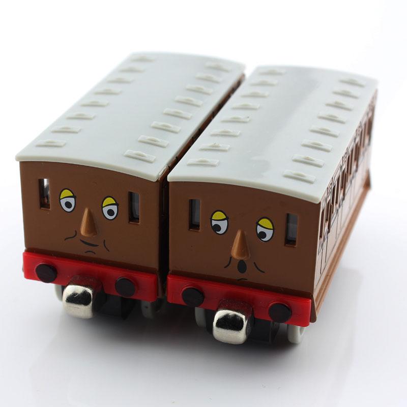 2pcs set Children Thomas and friends trains trackmaster tank tomas de trein trem mini engine carriage Magnetic toys cars boys(China (Mainland))