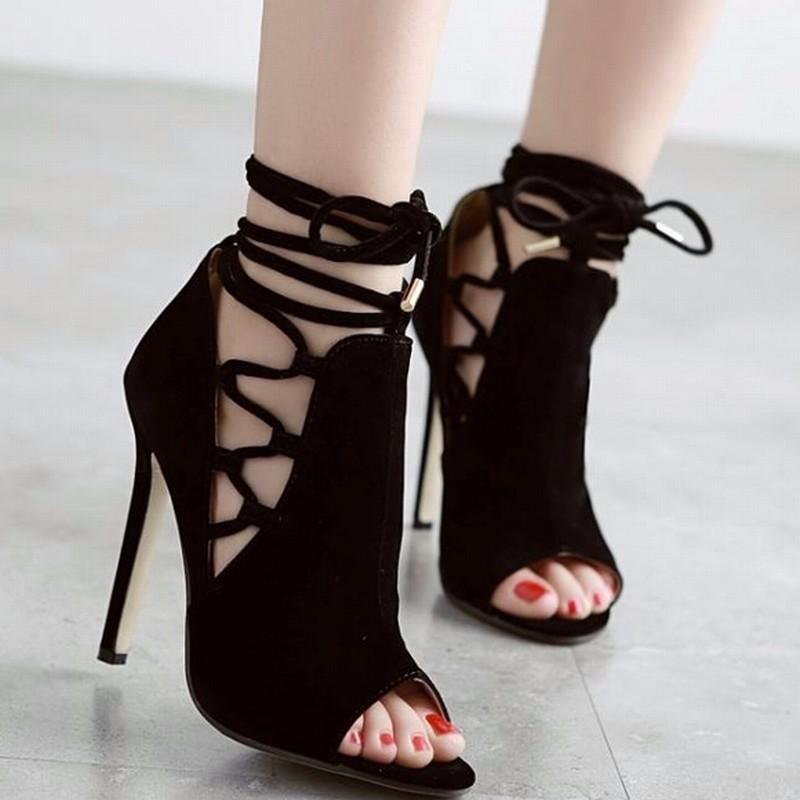2016 Yaz Roma Tarzı Siyah Popüler Gladyatör Sandalet Kadınlar Sandalet Kadın Yüksek Topuklu Peep Toe Sandalet Kesikler Lace Up Ayakkabı