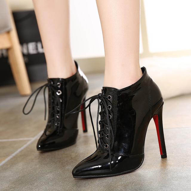 chaussures avec semelle rouge. Black Bedroom Furniture Sets. Home Design Ideas
