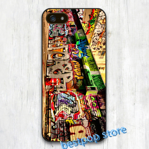 Puck graffiti art on walls cover case for iphone 4 4s 5 5s SE 5c 6 6 plus 6s plus for samsung galaxy S3 S4 S5 S6 S7 Note 2 3 4(China (Mainland))