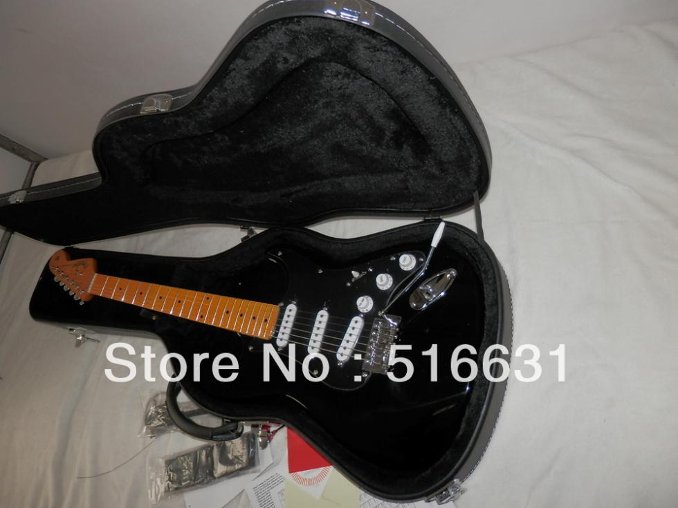 high quality ST stratocaster electric guitar in black Guitar include case AMERICAN DELUXE STRAT(China (Mainland))