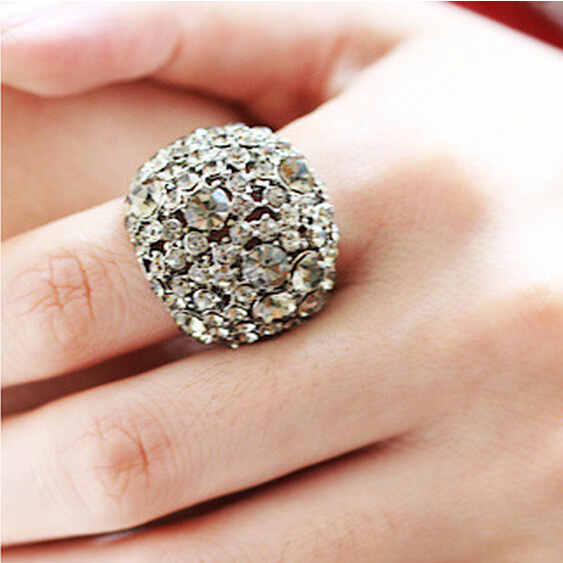 2015 New Arrival Luxury Romantic Female Hollow Bright Crystal Rhinestone Finger Knuckle Ring Big Ring For Women Jewelry(China (Mainland))