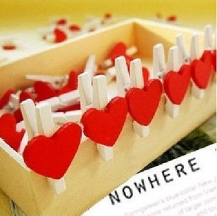 Free Shipping 100 pcs/lot Mini Lovely Red Heart Wooden Memo Clip / Bookmark Clamp / Photo Clip Promotional Gifts Wholesale