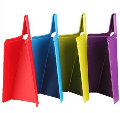 Creative kitchen tool manufacturers selling kitchen supplies into the pot foldable plastic chopping board cutting board
