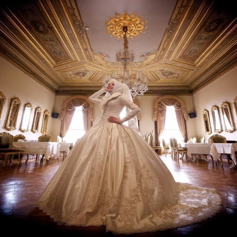 Dubai Arab-Israeli Muslim Wedding Dresses Incredible Fancy Taffeta Beading Long Sleeves Bridal Dresses Ball Gown Vestido De Boda(China (Mainland))