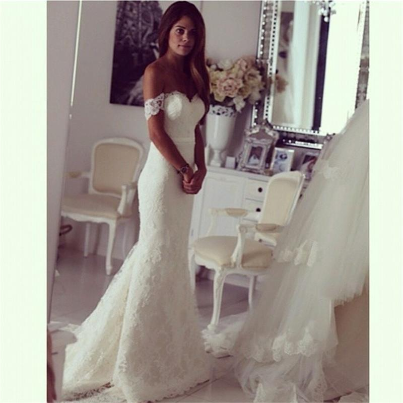 Off the shoulder wedding dresses with detachable train for Wedding dress train bustle