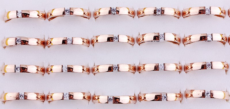 Wholesale Women's 25Pcs Rose Gold Plated 4MM Stainless steel Women's Pleasure Rhinestone Christmas Gift rings Reselling 1962(China (Mainland))