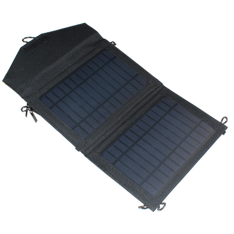 Солнечная батарея для туристов
