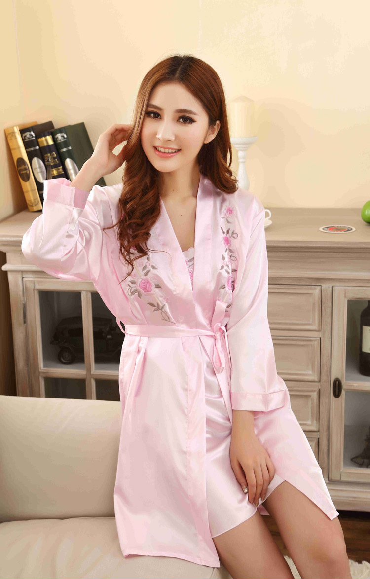 New Arrival ! Rayon silk emboridered women robe&amp;gown sets classical women pajamaОдежда и ак�е��уары<br><br><br>Aliexpress