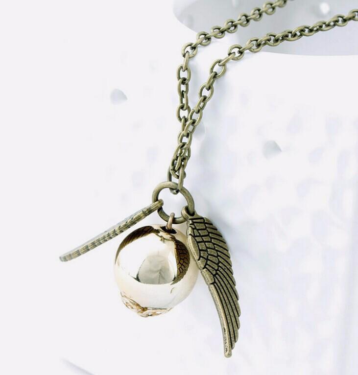 Кулон «Золотой Снитч», кулон из фильма «Гарри Поттера» Цена 390 рублей. Купить с бесплатной доставкой