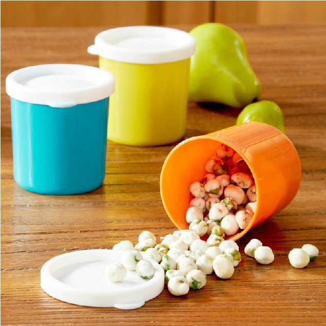1PC Cute Mini Portable Food Container Candy Storage Box Snacks Flavour Organizer For Outdoor School Colorful Plastic 6.7x5.5xm(China (Mainland))