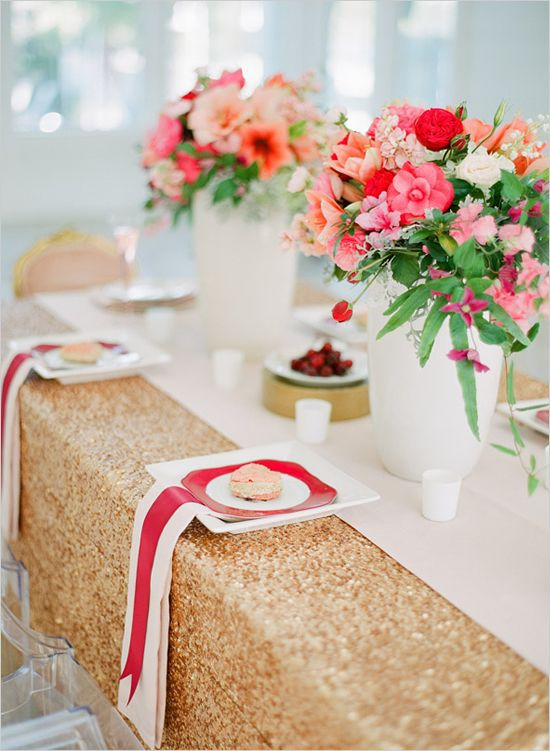Buy It Now !! Free Shipping Beautiful Matt Gold 90''*132'' Rectangle Sequin Wedding Tablecloth(China (Mainland))