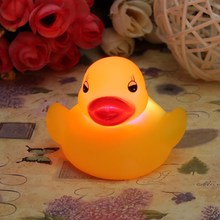 2015 High Quality Top Selling Novel Style 1Pc Baby Kids Bath Toy Lovely Flashing LED Changing Lamp Light Duck Yellow(China (Mainland))