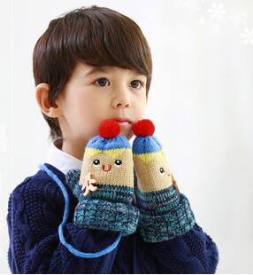 New coming cartoon winter gloves with lovely patterns that kids gloves can keep warm and comfortable in winter(China (Mainland))