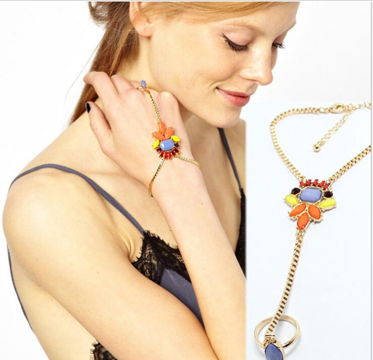 Clothing Accessories For Ladies - Cute & Trendy Women's Fashion Accessories - REISS.