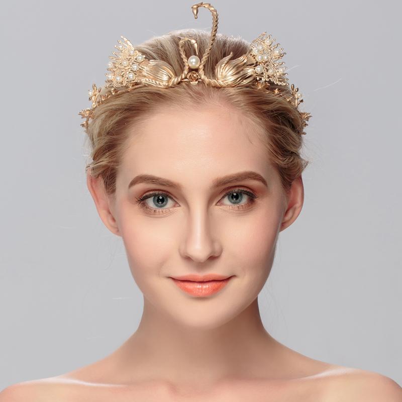 The bride retro golden swan kiss bride wedding accessories Baroque hoop crown <br><br>Aliexpress