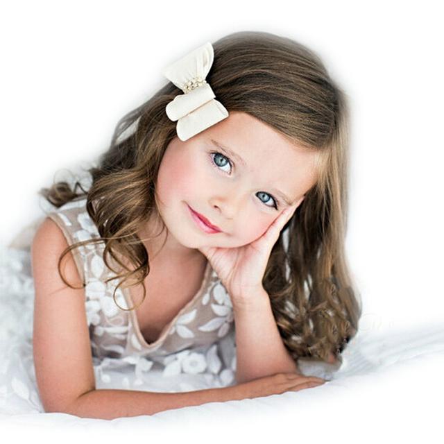 """3.2 """"16 цветов Новорожденных Атлас Волос Цветок Луки с Горный Хрусталь Кнопки ..."""