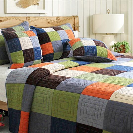 Покрывало на кровать(пэчворк) сделано своими руками