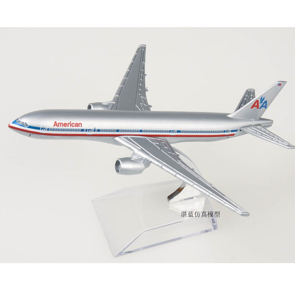 (5pcs/pack) Brand New 1/400 Scale Airplane Model Toys American Airlines Boeing777 Airliner Diecast Metal Plane Model Toy(China (Mainland))