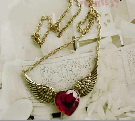 Min.order is $15 (mix order)-Europe and America popular retro angel wings necklace factory direct special-X109