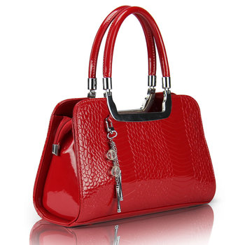 Free shipping 2013 fashion women's japanned leather handbags female fish scale crystal pendant casual bags