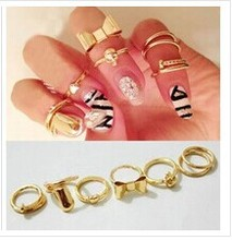 R173  7Pcs Punk Promotion Gold Color Skull Bowknot Heart Nail Simple Band Mid Finger Top Stacking Rings Set for Women