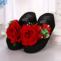 The new summer rose red beach shoes fashion lady slippers sandals flowers lady slippers increased thick