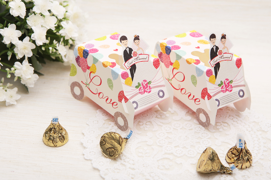 FREE SHIPPING Wedding Favor Gift Boxes Romantic Love Wedding Car shape Candy Boxes Party favor Packaging Boxes(China (Mainland))