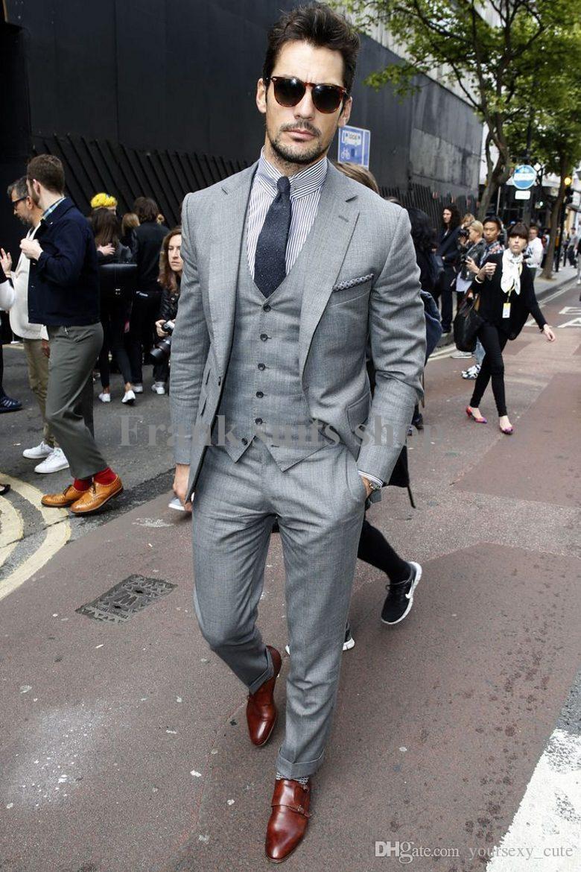 Стильный мужчина в костюме