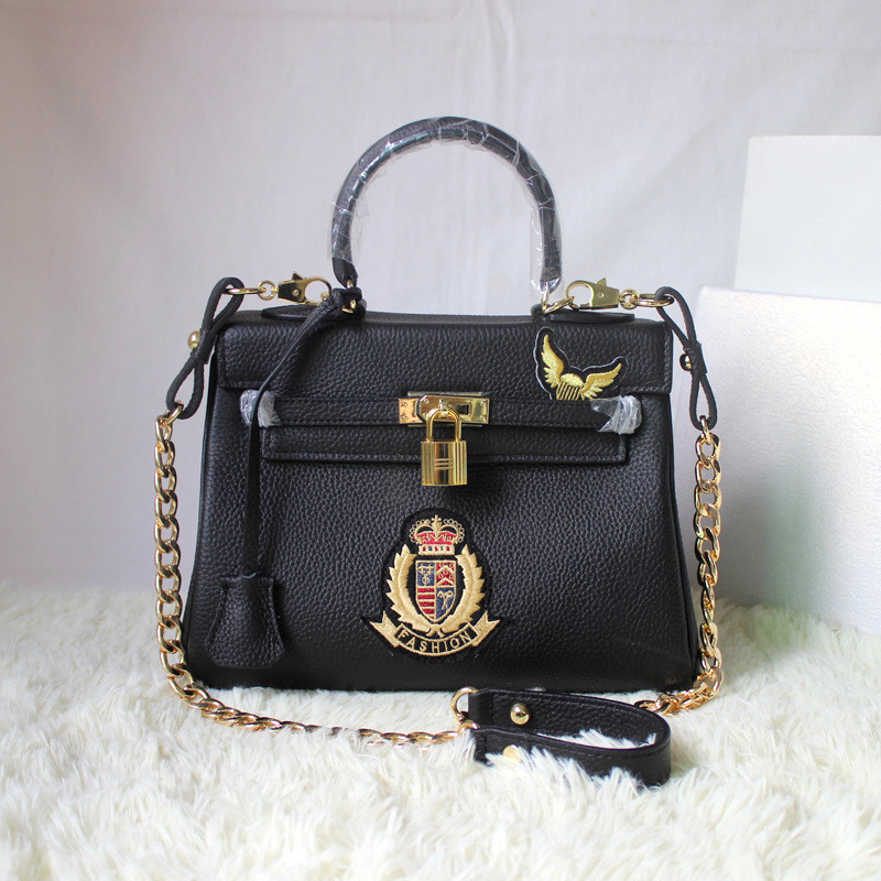 2016 New Female Genuine Leather Bag Chain Badge High Quality Lock Women Handbag Shoulder Bag Messenger Bags Purse<br><br>Aliexpress
