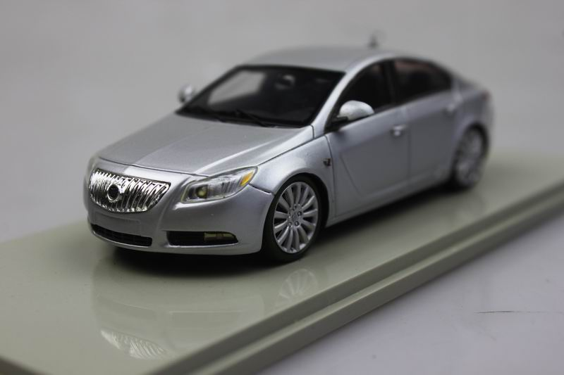 Silver resin LUXURY 1/43 2011 LaCrosse Buick car model(China (Mainland))