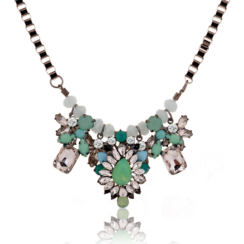 High Quality Flower Alloy  Necklace Retro Clavicle Chain Women'S Green Pendant Necklace Collares Mujer Neck Chain S2075(China (Mainland))