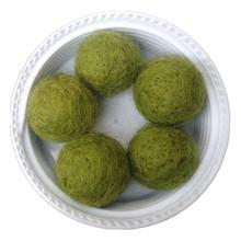 Factory Price 200PCS/Lot 20MM Army Green Wool Felt Ball Handmade DIY Curtain Decoration Ball Woven Balls for Rug Home Decor(China (Mainland))